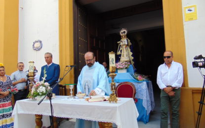 Sensacional Misa Rociera en la Parroquia de la Inmaculada, a cargo del Padre Carlos Pérez Jiménez