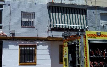 La actuación conjunta de la Policía Local y la Policía Nacional permiten la detención de un individuo que había prendido fuego a su vivienda ubicada en un bloque de pisos