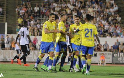 La U.D.Las Palmas gana el 'Ciudad de La Línea' (1-2) ante una Balona que hizo un gran primer tiempo