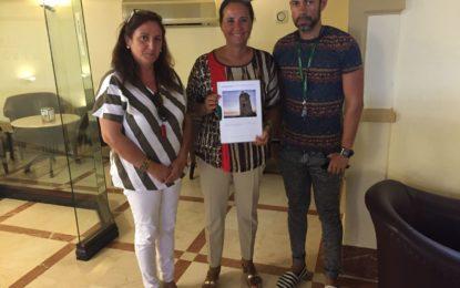Marina García y Encarna Sánchez trabajan en el anteproyecto para la intervención en el área de Torrenueva