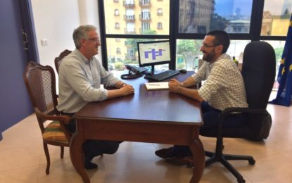 El alcalde recibe a Francisco Oda, director del Instituto Cervantes en Manchester y Leeds