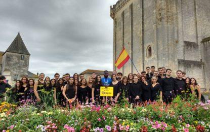 La Joven Orquesta Ciudad de La Línea está participando en Francia en el Festival Internacional Eurochestries, realizando el primer concierto