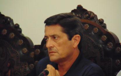 La Policía Local reorganizará el tráfico en la rotonda de la calle Cartagena con el camino de Torrenueva