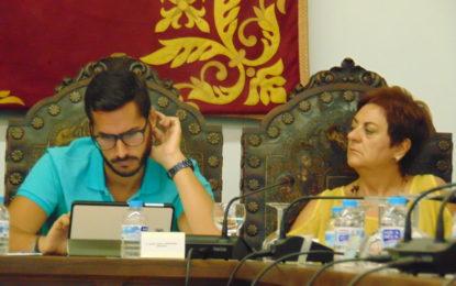 El PSOE de la Línea pide la dimisión de Carmen García, Concejal de Igualdad por su censura a una foto en la exposición de los Derechos Humanos