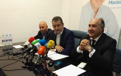 """Antonio Sanz: """"El alcalde de La Línea pone zancadillas"""" (Sónido íntegro de la rueda de prensa)"""