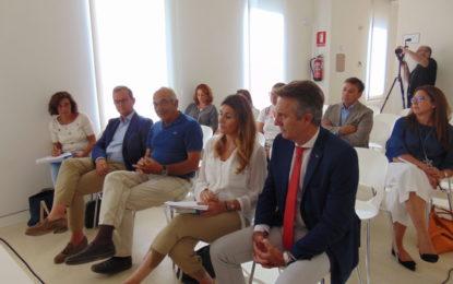 Los empresarios reivindican el desdoble de los accesos a La Línea y la implantación de un régimen fiscal especial