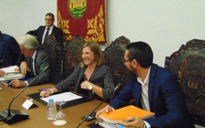 Tornay felicita a la Diputación Provincial y su presidenta por la mejora del servicio de recaudación y la inversión en asfaltado para las calles de La Línea