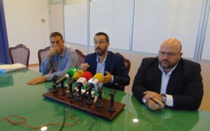 El alcalde firma el decreto de licencia de primera ocupación de la piscina cubierta de Asansull