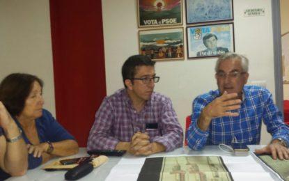Juan Chacón se reúne con la Asociación 'El Fuerte'