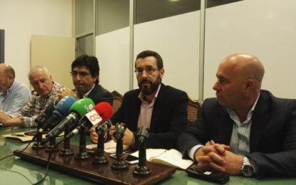 Los portavoces del Ayuntamiento de La Línea critican la ausencia de la Mesa de Trabajo en la reunión de hoy