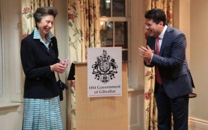 El Ministro Principal recibe a Su Alteza Real la Princesa Ana en la Casa de Gibraltar con un caluroso discurso en la Casa de Gibraltar en Londres