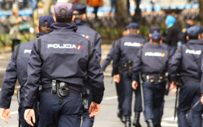 La Policía Nacional recupera en La Línea de la Concepción cinco vehículos sustraídos y preparados para alijar fardos de hachís