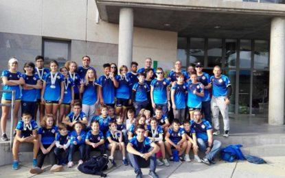 El Club Marítimo Linense consigue dos medallas de plata y siete bronces en la primera regata de la 21º Liga Andaluza de Remo