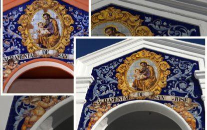 Asociaciones sevillanas referentes en el arte cerámico destacan el trabajo de restauración del retablo del Cementerio