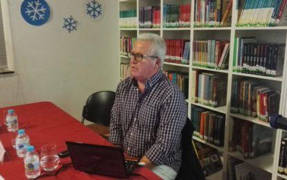 Tito Vallejo ofreció en la Biblioteca 'José Riquelme' una magnífica conferencia, con 'Mar del Sur', sobre la historia de las calles de Gibraltar