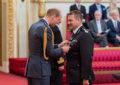 El Comisario de la Policía Real de Gibraltar, Eddie Yome, recibe la Medalla de la Reina al mérito policial tras 44 años de servicio