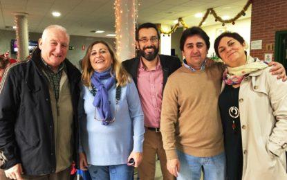 Una representación municipal asiste a la celebración de Navidad del Centro de Mayores del Junquillo