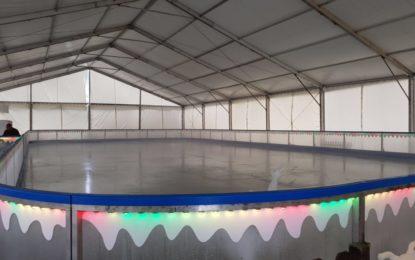 """Hoy abre sus puertas la pista de hielo natural """"El Azul"""", junto al parque Princesa Sofía"""