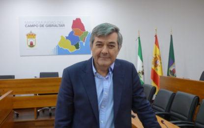 Luis Ángel Fernández recuerda que lleva tres años seguidos congelando las tasas