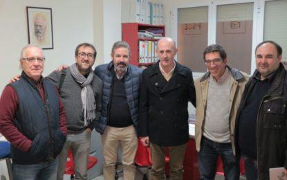 El secretario general del Psoe de La Línea, Juan Chacón Fernández, se reúne con el portavoz andalucista Ángel Villar