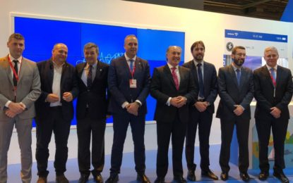 Fernández agradece el patrocinio de Sotogrande, Santa Maria Polo Club y  Alcaidesa  en la Feria Internacional de Turismo, junto a más de una treintena de empresas colaboradoras