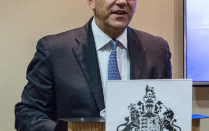 El Ministro de Comercio de Gibraltar, Albert Isola, está en Londres para tratar temas como el Brexit, FinTech y reuniones con empresas de seguros