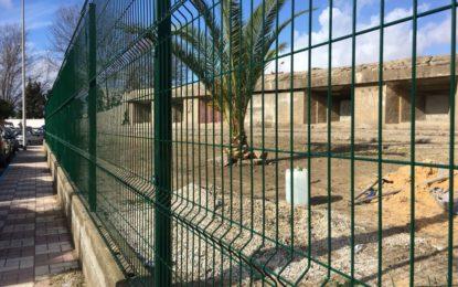 Iniciado el cerramiento del bunker situado en la avenida del Mar en La Línea