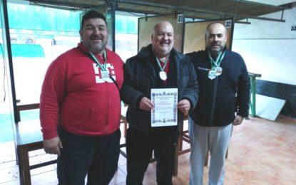 Helenio Fernández felicita al Club Linense de Tiro Olímpico por su buen resultado en el campeonato provincial Standard
