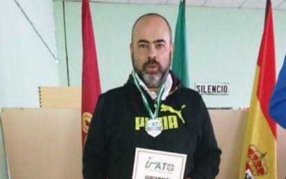 Helenio Lucas Fernández felicita al Club Linense de Tiro por sus resultados en el Campeonato de Andalucía