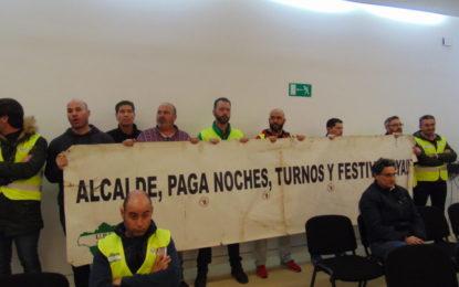 El pleno,que contó con la protesta del sindicato de la Policía Local, aprueba las cuentas generales del Ayuntamiento correspondientes a 2016