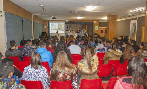 El Instituto Antonio Machado cierra su ciclo de conferencias de Orientación