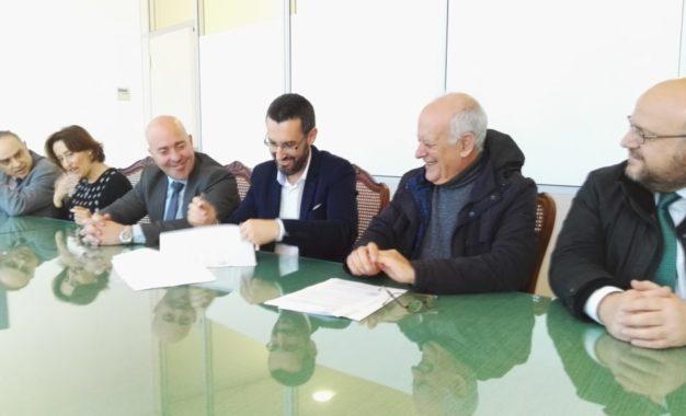 Firmado el contrato para la elaboración del nuevo PGOU que tendrá un plazo de ejecución de año y medio