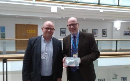 El archivero de Gibraltar, Anthony Pitaluga, viajó recientemente a Londres para reunirse con el director general del archivo nacional