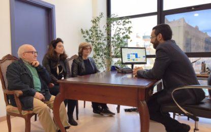 Franco apoya la recogida de firmas a favor de la prisión permanente revisable organizada por la familia de Laura Gutiérrez Martín, asesinada en Ceuta en 2011