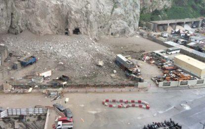 Cierre de carretera tras desprendimiento de rocas en Gibraltar