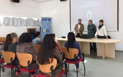 El alcalde, en la presentación de un curso sobre seguridad personal organizado por Igualdad