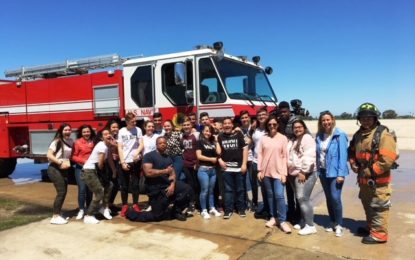 Alumnos de Secundaria conocen la base naval de Rota con la Oferta Educativa Municipal