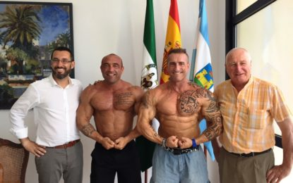 Franco recibe a los campeones de culturismo linense Víctor Crespo y Alberto Machado