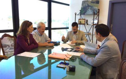 Firmado con Endesa el contrato de suministro eléctrico para edificios municipales y colegios
