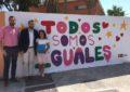 """Franco entrega los diplomas a los escolares autores de los diseños de murales del programa """"Grafitea2"""" de Juventud"""
