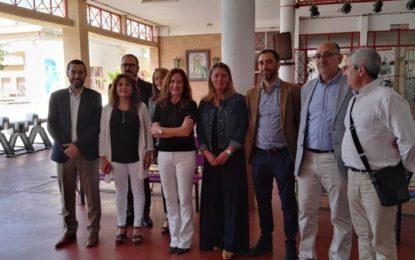 Satisfacción del alcalde y la concenjal de Educación, Rosa López por el incremento de ciclos formativos y el desarrollo de la modalidad dual