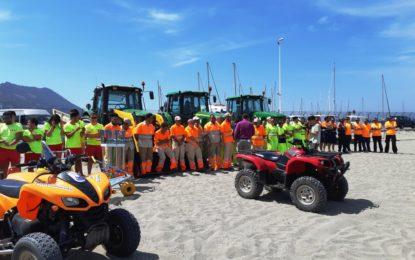 Más de cien personas de distintos servicios integran los dispositivos de playas para esta temporada
