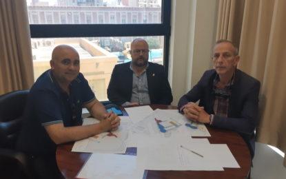 Acuerdo entre Impulso y Desarrollo Urbano, el Real Club Náutico y Caza y Pesca para ocupar una parcela en el futuro desarrollo náutico-deportivo-pesquero de Poniente