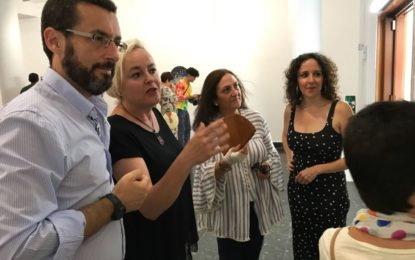 Inaugurada en la Galería Manolo Alés la exposición de Collages de Marga Guinea en la que se celebrarán actividades didácticas