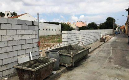 El Ayuntamiento inicia un nuevo expediente de ejecución forzosa en un solar situado en   Camino de La Atunara, a la espalda del Linense Tenis Club