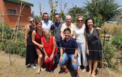 El alcalde asiste a la celebración por la primera cosecha de los huertos terapéuticos de la Coordinadora Despierta