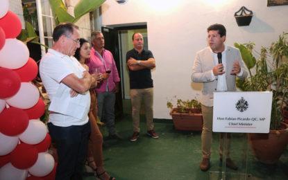 El Ministro Principal de Gibraltar, Fabian Picardo, felicita a GJBS en su 30 ° aniversario