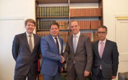 El Ministro Principal y el Viceministro Principal mantienen reuniones al más alto nivel sobre el Brexit en Downing Street