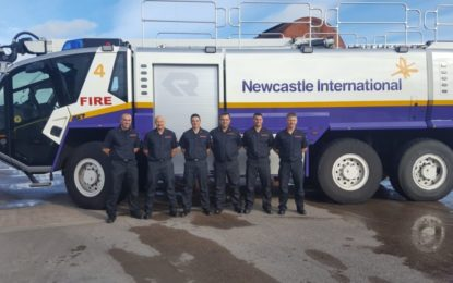 El servicio de bomberos y rescate del aeropuerto de Gibraltar asiste al curso de instructores en Newcastle