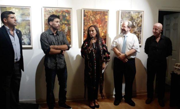 La concejal de Cultura asiste a la inauguración de una exposición colectiva en Gibraltar